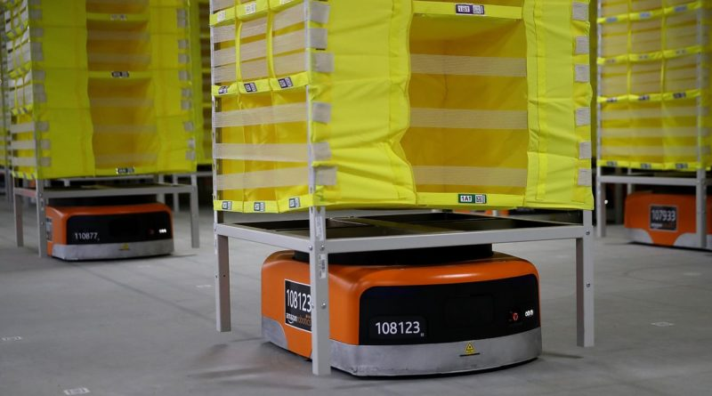 Amazon says fully automated shipping warehouses are at least a decade away
