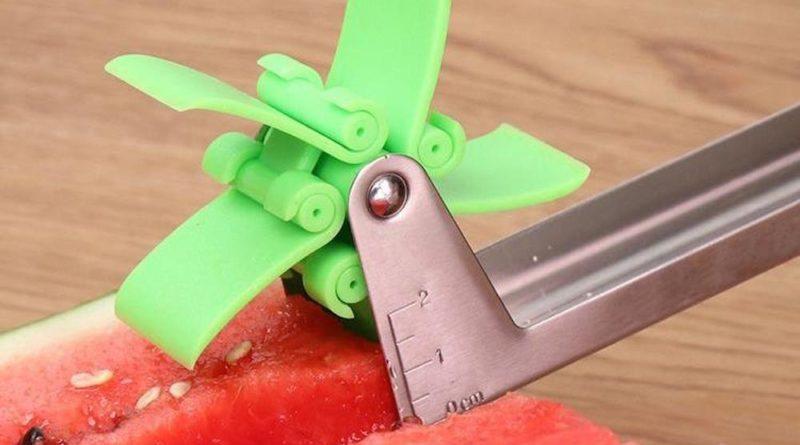 Ce découpe pastèque fonctionne comme un moulin à vent pour créer des cubes
